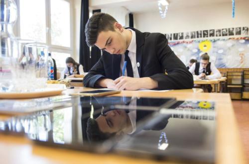 EMMI: a kormány döntése alapján az idei érettségi vizsgákra május 4-től, a járványhelyzetre való tekintettel szinte kizárólag írásbeli formában kerül sor